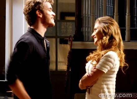 Fisgou de vez? Sofia fica encantada com a dedicação e o romantismo de Sidney
