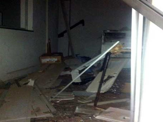 Banco explodido na Bahia (Foto: Jânio Freitas / site Sudoeste Bahia)