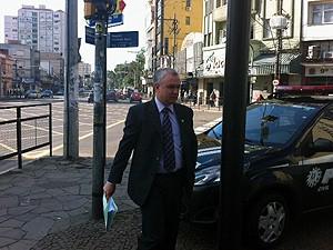 Delegado no HPS, em Porto Alegre (Foto: Felipe Truda/G1)