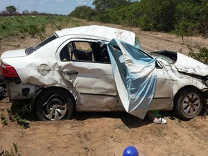 Outras duas estavam no veículo, uma delas ficou ferida, diz PM (Foto: blogbraga/Edivaldo Braga)