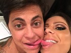 Thammy Miranda posa dando língua com namorada na web