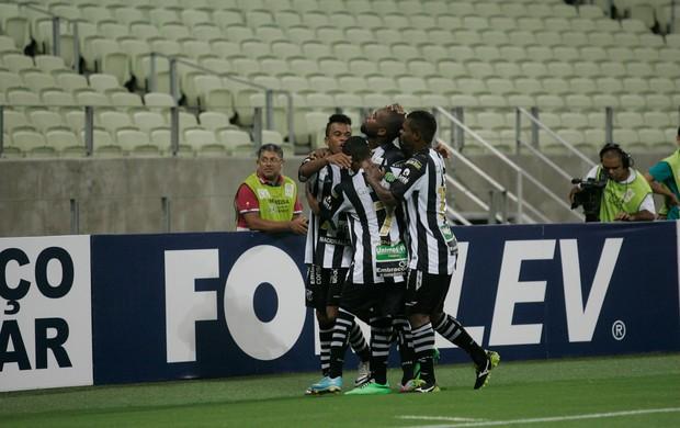 Com gol de Tadeu, Ceará larga com vitória sobre o Oeste na Série B (Foto: Alex Costa/ Agência Diário )