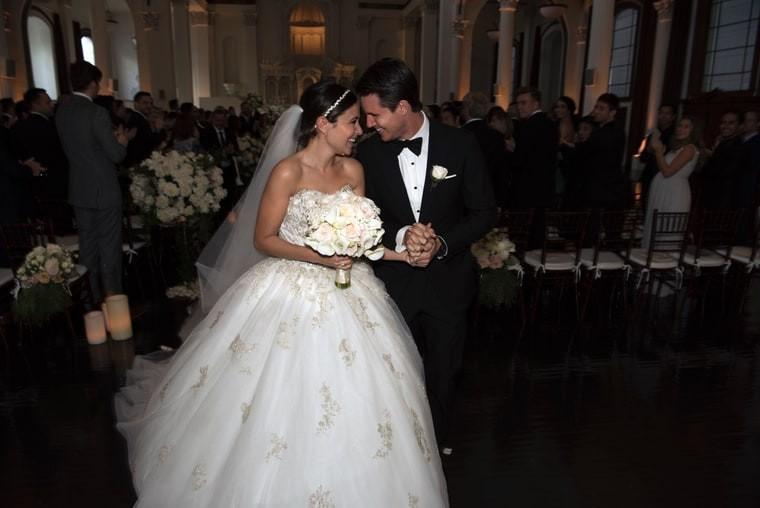 Italia Ricci e Robbie Amell (Foto: Divulgação)