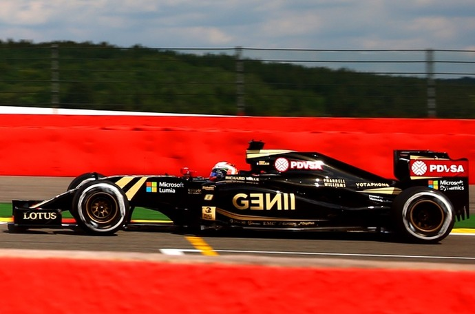 Romain Grosjean em ação no GP da Bélgica, que rendeu o primeiro pódio da Lotus em 2015 (Foto: Getty Images)