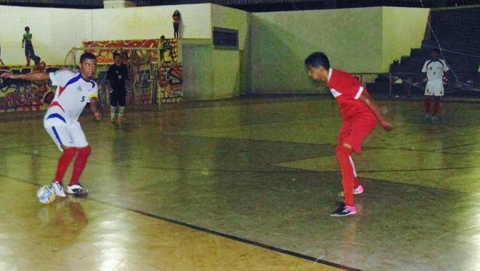 Rodada marcou o reencontro de Osmiki Futsal e Colinas que fizeram a final do estadual na temporada passada (Foto: Marcelo Gris/GuaraíNotícias)
