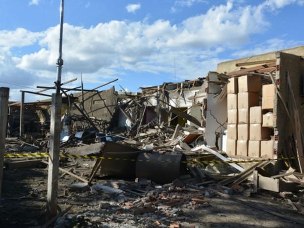 Estrutura de moteu ficou danificada após explosão na Bahia (Foto: Anderson Oliveira/Blog do Anderson)