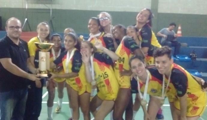 6754873c1b286 Meninas campeãs mineiras celebram título conquistado em casa (Foto  Wesley  Gonçalves Arquivo pessoal