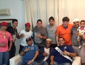 Atacante Willian José, do Santos, com amigos (Foto: Reprodução  / Instagram)