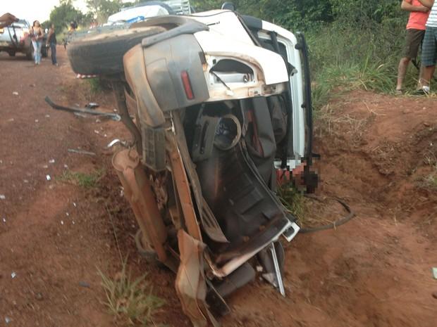 Quatro pessoas morrem em acidente na BR-153 (Foto: Vilma Nascimento/G1)