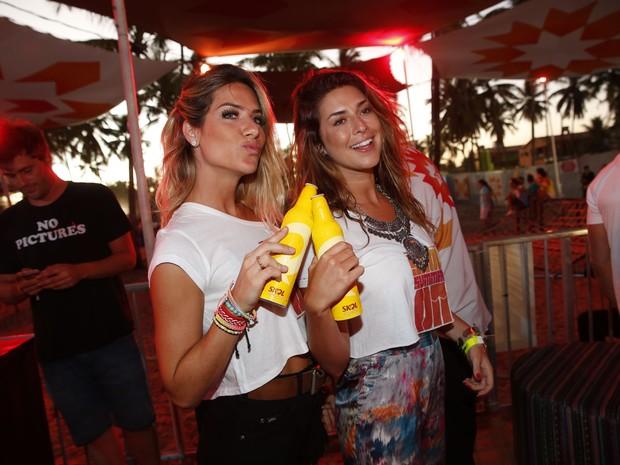 Giovanna Ewbank e Fernanda Paes Leme em festa em Porto de Galinhas, Pernambuco (Foto: Felipe Panfili/ Ag. News)