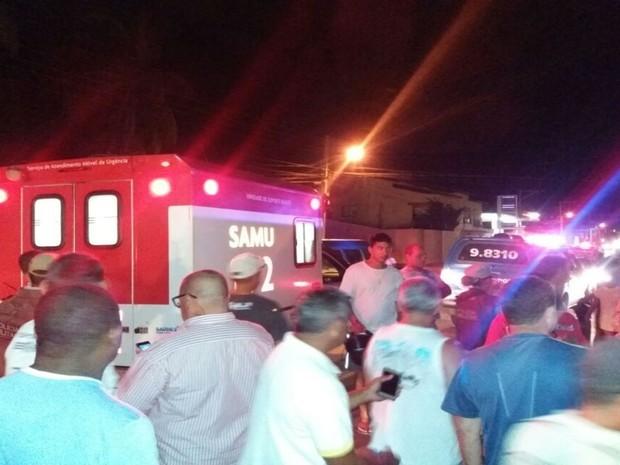 Polícia e Samu estiveram presentes no local (Foto: Blog do Sigi Vilares)
