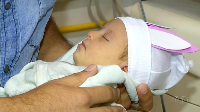 Bebês têm dia de modelo para ensaio inspirado na Páscoa (Foto: Reprodução/TV Anhanguera)