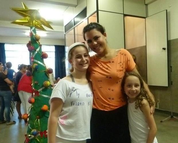 Nanda Garcia e suas alunas (Foto: Arquivo pessoal)