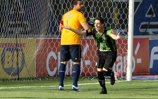 Alessandro américa-MG gol cruzeiro (Foto: Renato Cobucci / Agência Estado)