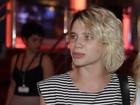 Bruna Linzmeyer se incomoda com pergunta sobre revival com ex