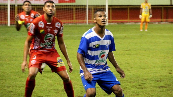 Gessé reestreia com a camisa do Atlético-AC (Foto: João Paulo Maia)