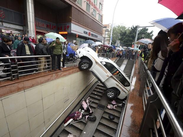 Por sorte, ninguém ficou ferido no acidente (Foto: Reuters)