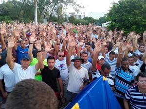 PMs e bombeiros decidiram encerrar greve após assembleia no Centro Administrativo do RN (Foto: Kléber Teixeira/Inter TV Cabugi)