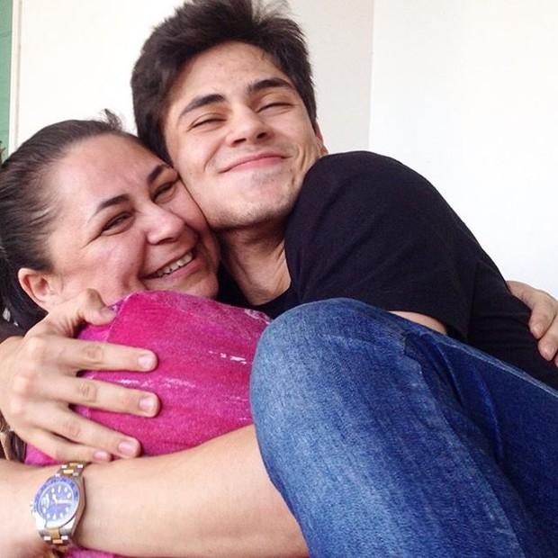 Lucas Veloso com a mãe, Laudiceia (Foto: Instagram/Reprodução)