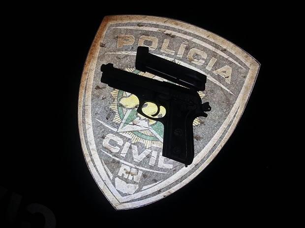 Arma estava com um dos bandidos (Foto: Kléber Teixeira/Inter TV Cabugi)