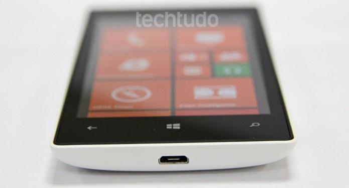 A tela do Lumia 520 responde com rapidez aos comandos (Foto: Marlon Câmara/TechTudo)