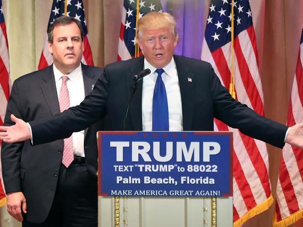 O pré-candidato republicano Donald Trump faz discurso nesta Superterça após vitória em cinco estados (Foto: AP Photo/Andrew Harnik)