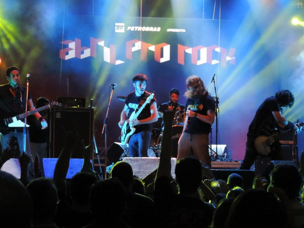 Banda Dune Hill, no Abril pro Rock (Foto: Katherine Coutinho / G1)