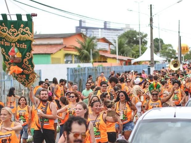 Bloco Tá'Qui Pr'Ocês também  saiu pelas ruas de Ponta Negra no carnaval (Foto: Rudá de Melo)
