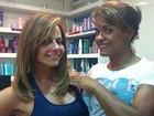 Viviane Araújo corta o cabelo na altura dos ombros