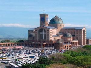 Santuário de Nossa Senhora Aparecida (Foto: Renato Ferezim/G1)