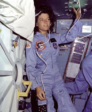 Sally Ride a bordo da Challenger. (Foto: Nasa/Divulgação)