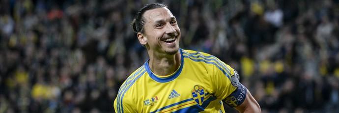 Ibrahimovic Suécia x Moldávia (Foto: Reuters)