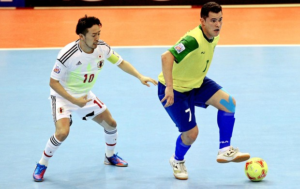 Mundial de futsal vinicius brasil  japão (Foto: Agência AFP)