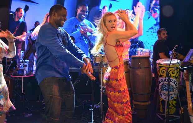 Jacaré e Carolina Dieckmann (Foto: Felipe Souto Maior/AgNews)
