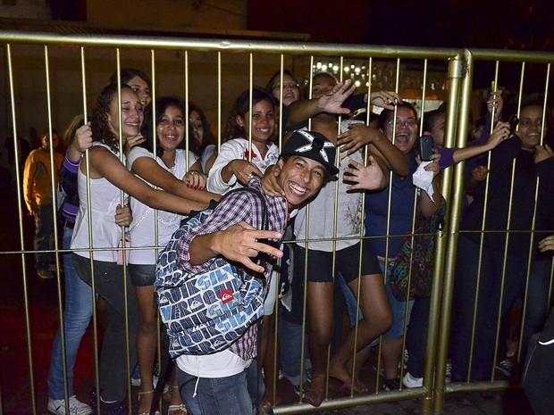 Elenco de Malhação grava em boate (Foto: Rodrigo Sauzo/BDR/Divulgação)
