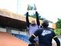 Rio Branco intensifica busca por novo goleiro após perder dois para posição