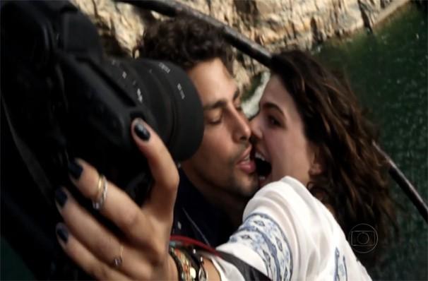 Leandro e Antônia põem em risco a própria vida para lutar por um amor sincero e verdadeiro (Foto: Reprodução)