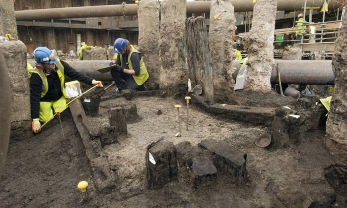 Local da construção foi interditado para investigação arqueológica (Foto: AFP)
