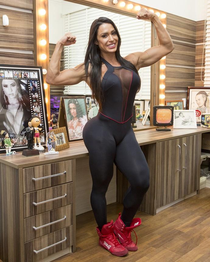 Gracyanne faz pose fitness no camarim (Foto: Felipe Monteiro/Gshow)