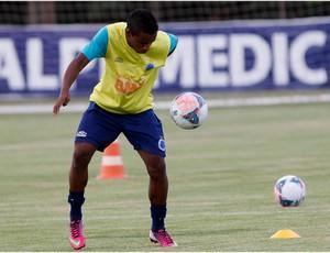 Élber marca um gol e quer ganhar espaço (Foto: Washington Alves / Vipcomm)