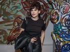 Bárbara Paz anuncia retorno ao teatro após morte de Babenco: 'Muito difícil'
