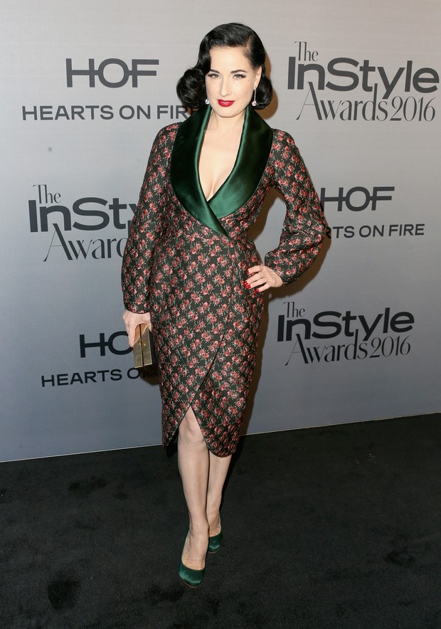 Modelo Dita Von Teese em prêmio em Los Angeles, nos Estados Unidos (Foto: Frederick M. Brown/ Getty Images/ AFP)