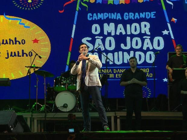 Padre Reginaldo Manzotti se apresentou pela primeira vez no São João de Campina Grande (Foto: Reprodução/TV Paraíba)
