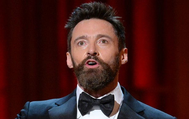 Há tantos anos gravando como o Wolverine da franquia 'X-Men', Hugh Jackman já teve acidentes de todo o tipo. O ator sobreviveu a machucados na orelha, na perna, no olho, no pescoço e até na virilha. Ui. (Foto: Getty Images)