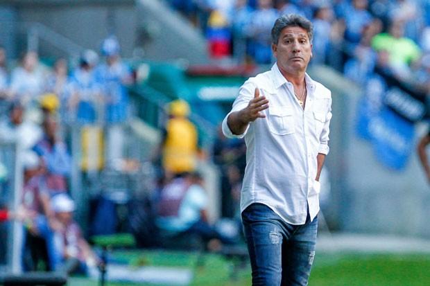 Renato Gaúcho, treinador do Grêmio, durante embate contra o Corinthians no Campeonato Brasileiro de 2017 (Foto: Lucas Uebel/Getty Images)