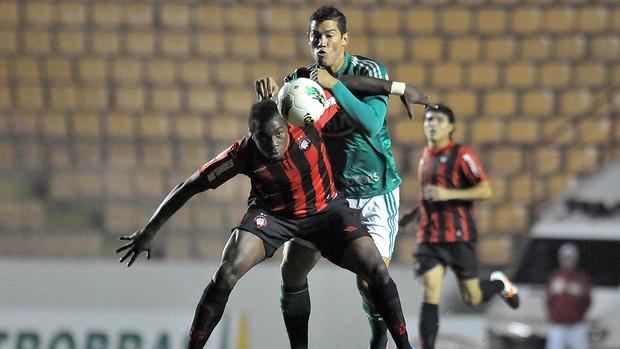 Betinho e Guerron, Palmeiras x Atlético-PR (Foto: Dorival Rosa / Futura Press)