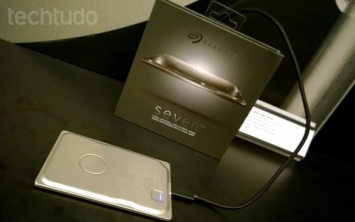 Seagate Seven: compatível com USB 3.0 e resistente a quedas (Foto: Fabrício Vitorino / TechTudo)