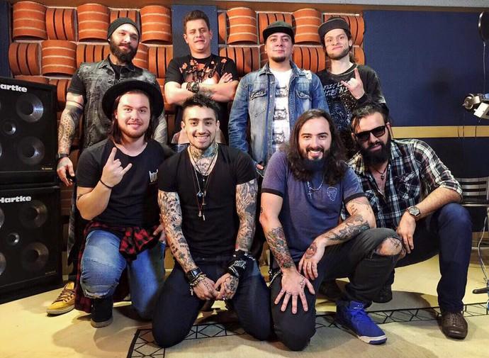 Banda Malta vai definir o novo vocalista, que faz 1º apresentação no 'Encontro' (Foto: Divulgação)