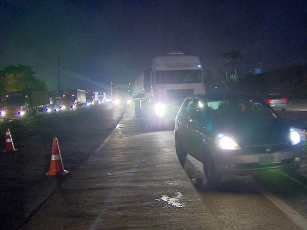 Trânsito está congestionado no sentido Recife-Natal (Foto: Reprodução / TV Globo)