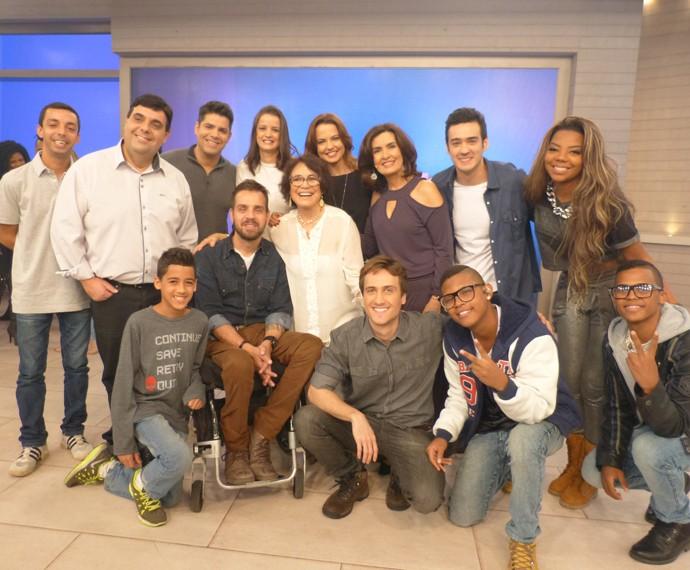 Fátima com todos os convidados do programa (Foto: Marcele Bessa / Gshow)